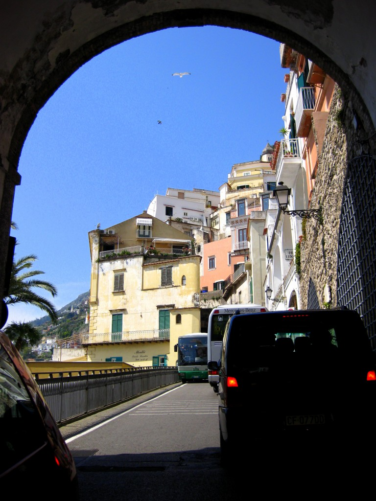 Through the archway - Note the tour buses