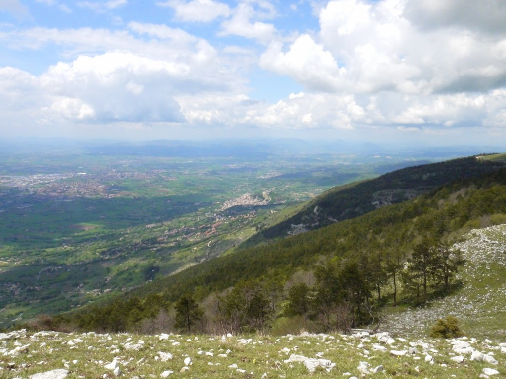 Hiking Subasio - Assisi down below