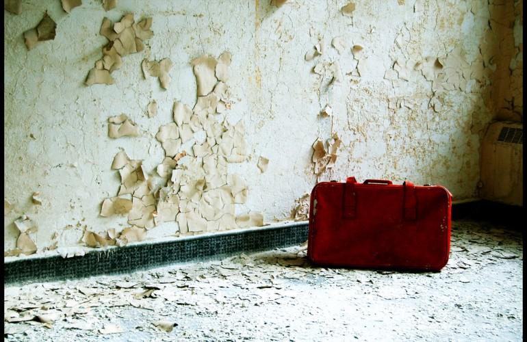 07 - Abandoned suitcase